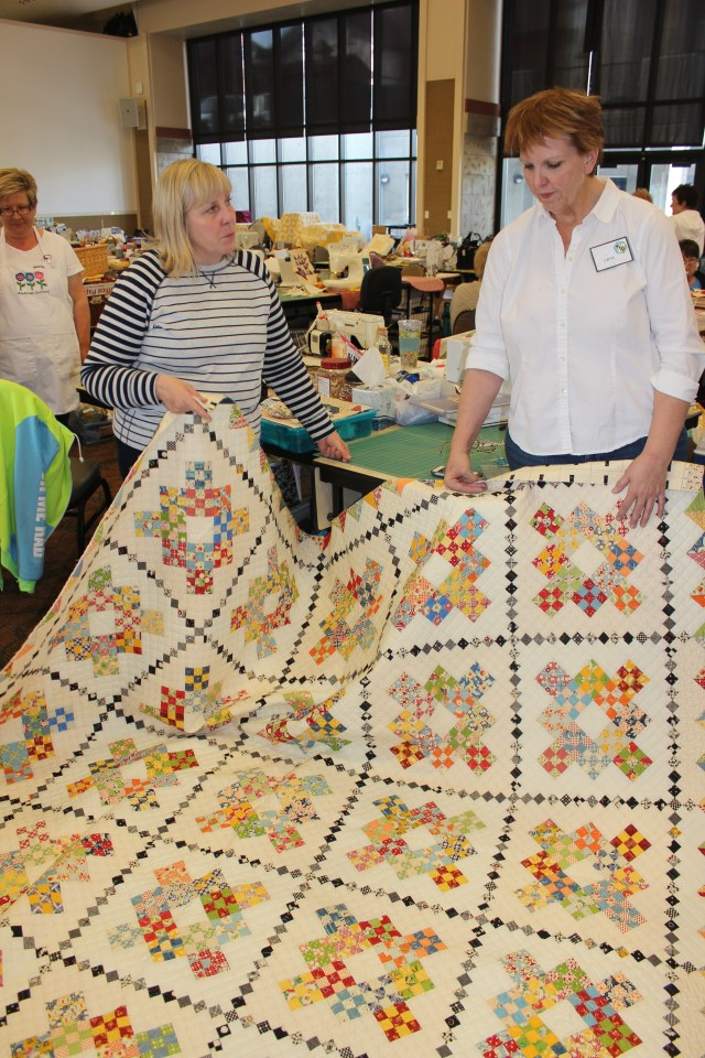 2015-4 American Quilting Retreat (73)