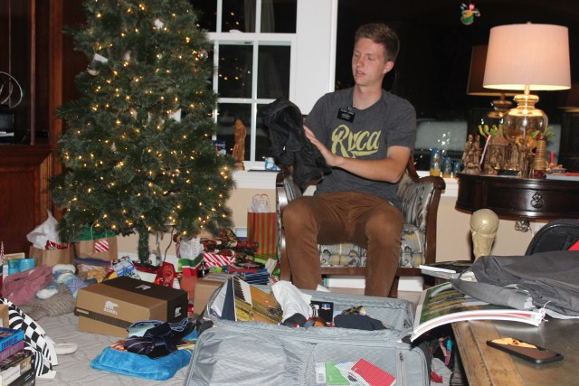 2015-12-29  Aaron is Home (109)