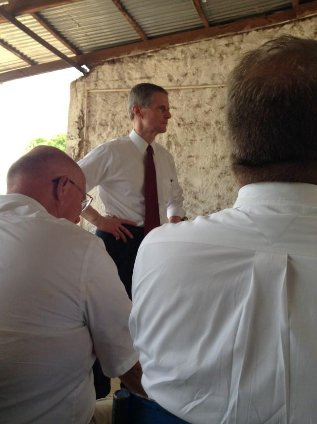 2017-5-23 Elder Bednar In Ouelessebougou (3)