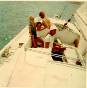 Family under sail 2