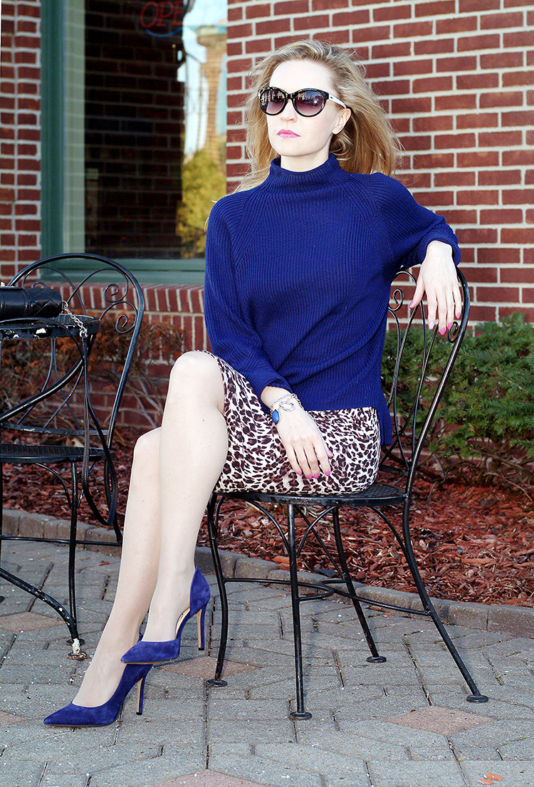 Elie-Tahari-navy-blue-sweater-with-suede-navy-blue-Jessica-Simpson-heels-and-leopard-print-pencil-skirt,-urban-chic-4