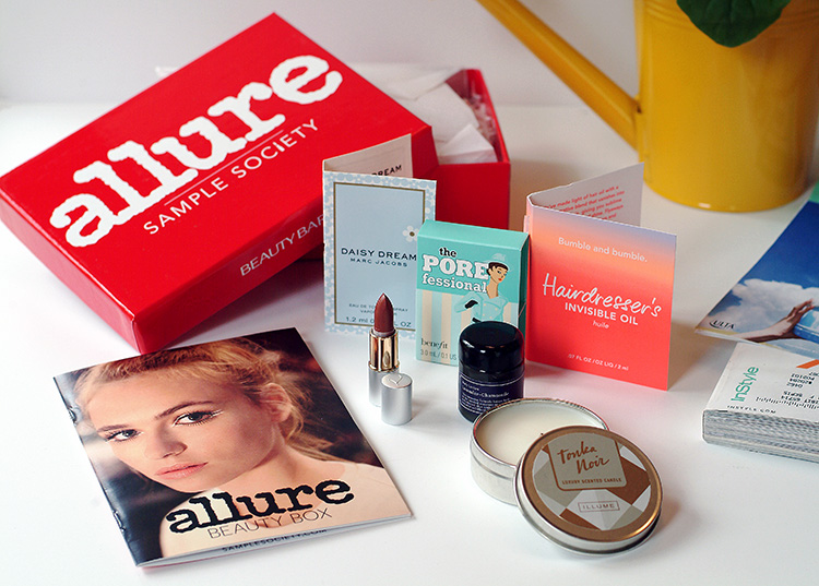 Allure Sample Society beauty box reviews by style blogger AnnRobieFashion