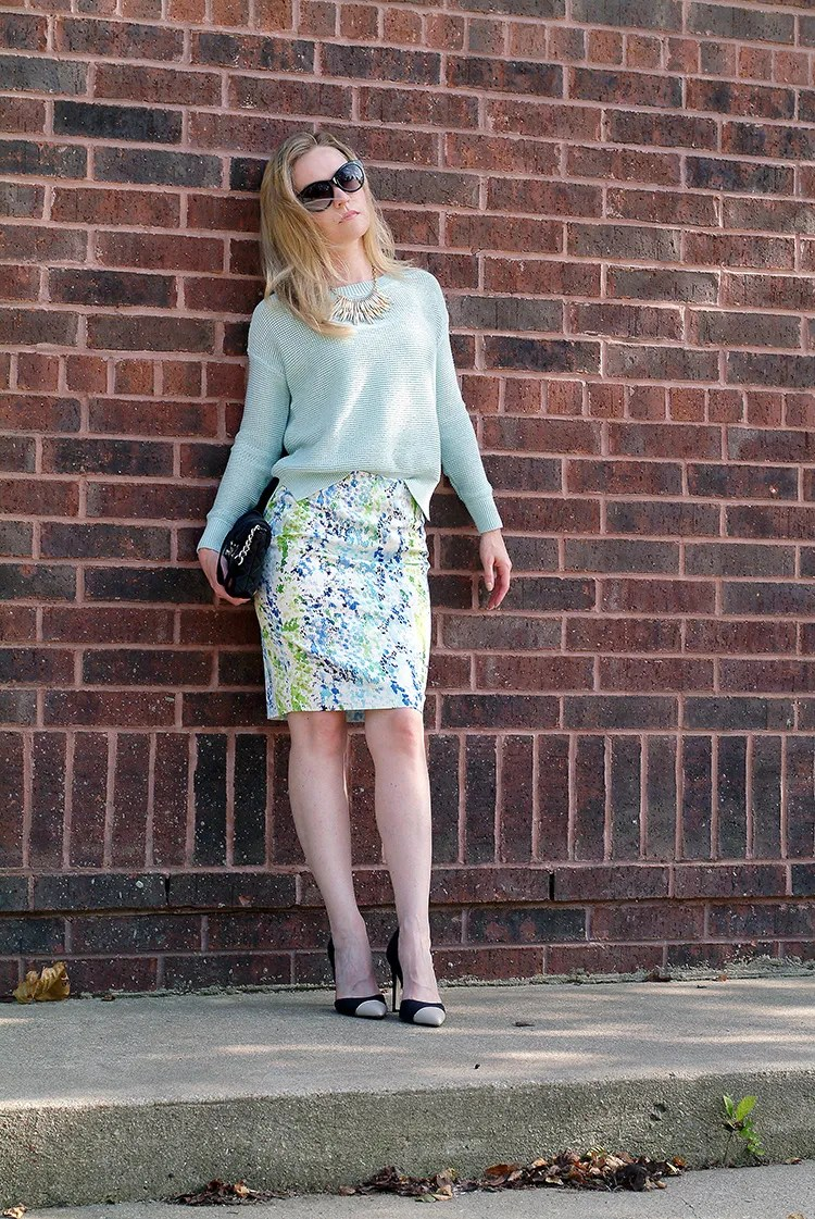 Outfit-Ideas-for-Petites-by-style-blogger-AnnRobieFashion-Turquoise-Sweater-LOFT-&-Short-Multi-Colored-Skirt-Ann-Taylor-1