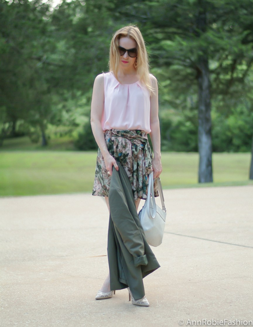 Romantic Look by petite fashion blogger AnnRobieFashion: Asos green jacket, Stefanel floral print skirt, pale pink sleeveless top LOFT, nude leather shoulder bag, Laured Conrad nude Floral Cutout High Heels