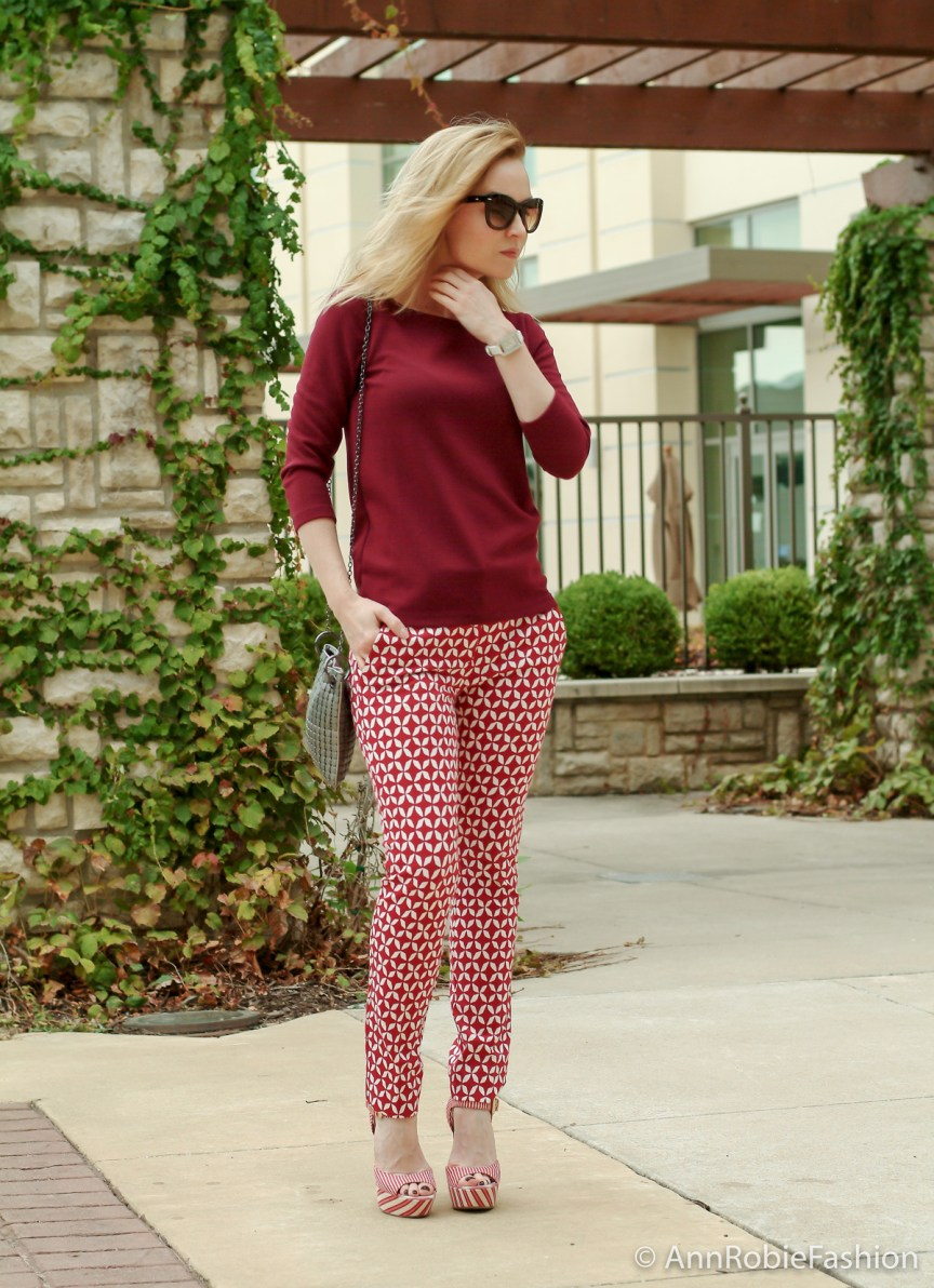 City-Chic-by-petite-style-blogger-AnnRobieFashion--burgundy-top-Ann-Taylor,-red-printed-pants-LOFT,-platform-sandals-JessicaSimpson-35w