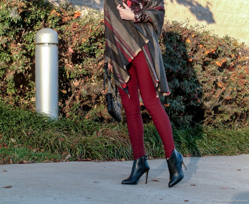 Petite fall fashion: burgundy skinny pants Charlotte Russe, floral print shirt Loft, striped blanket scarf, black leather boties Vince Camuto - monochromatic casual outfit by petite style blogger AnnRobieFashion