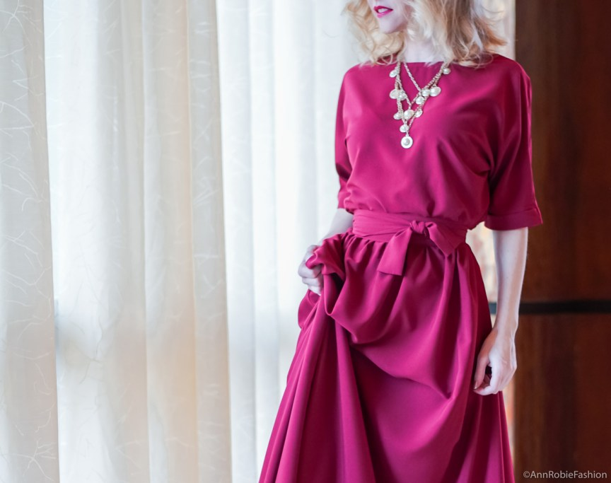 Red maxi dress for Christmas by style blogger AnnRobieFashion