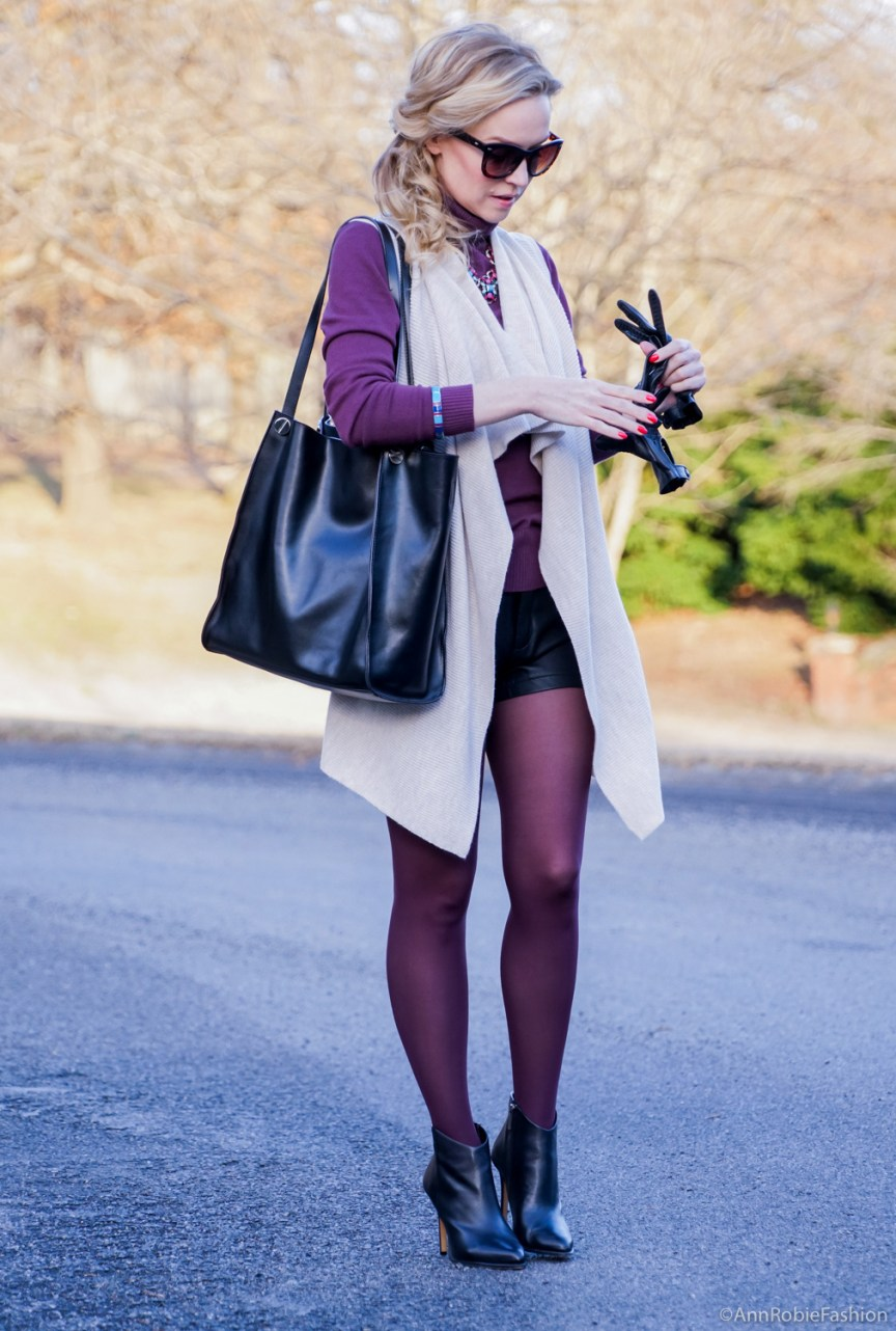How to wear shorts in winter: black leather shorts Forever 21, beige cardigan Ann Taylor - outfit idea by style blogger AnnRobieFashion