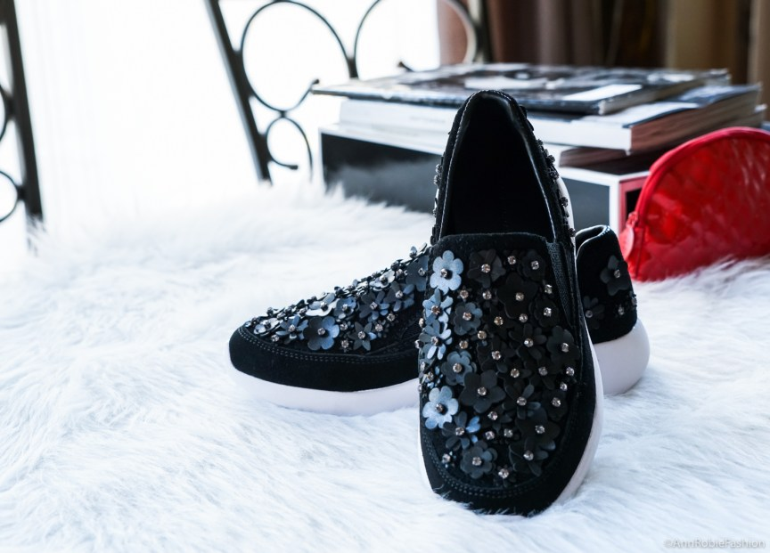 Zara black floral detail sneakers - Casual chic by petite style blogger AnnRobieFashion