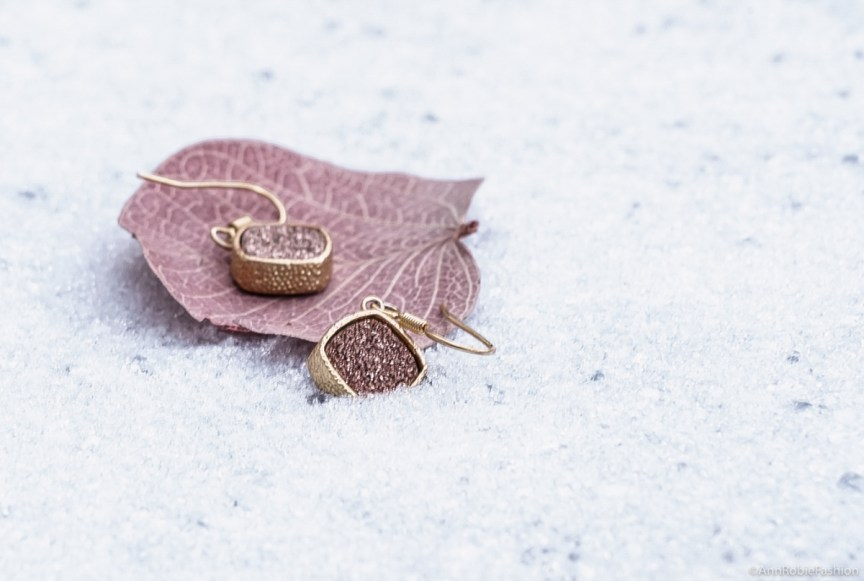 Earrings in rose gold, Elise M - Rocksbox review by style blogger AnnRobieFashion