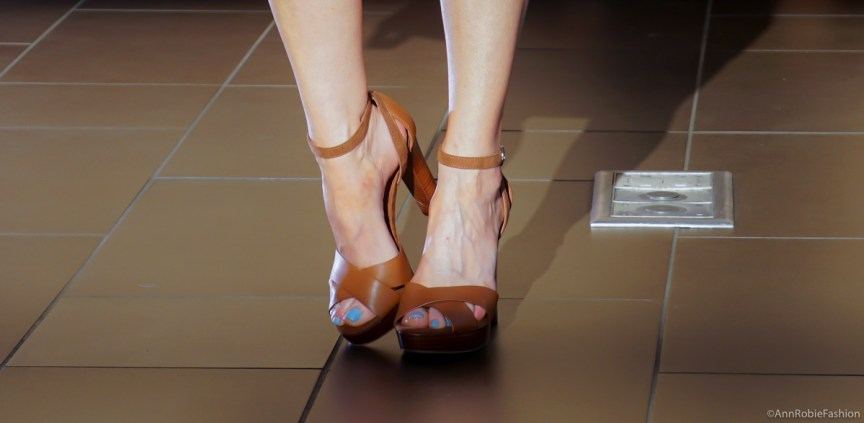 Brown leather sandals White House Black Market - outfit by petite style blogger AnnRobieFashion