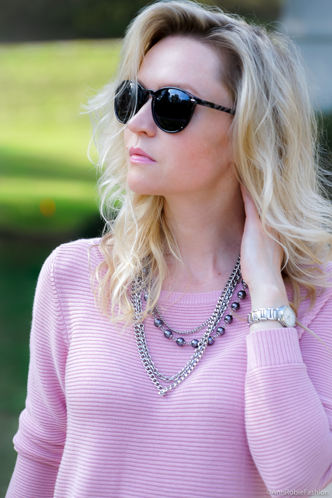 Blush pink sweater & grey necklace - outfit by style blogger AnnRobieFashion