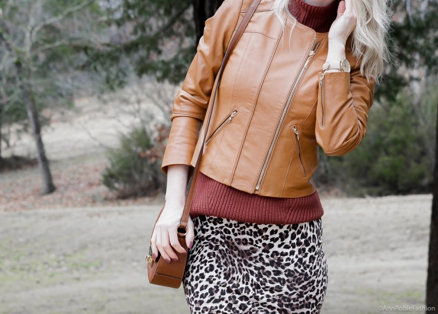 Outfits for Petites: Leopard pelcil skirt, brown sleeveless top, brown leather jacket - winter outfit by petite style blogger AnnRobieFashion