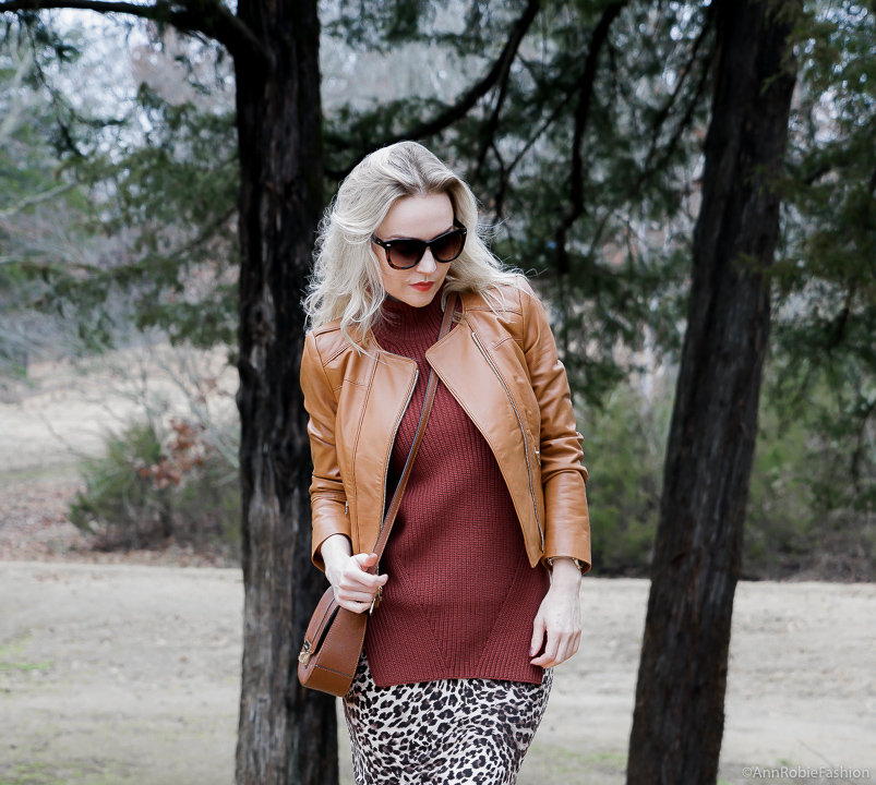 Winter Style: Animal Print Skirt, Brown Sweater & Leather Jacket - outfit for petites