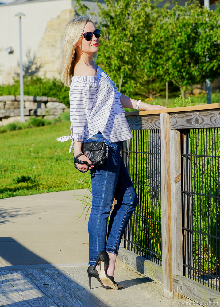 How to look stylish while you are pregnant: Striped off-the-shoulder top Ann Taylor, skinny maternity jeans Jessica Simpson - outfit by petite style blogger Ann Robie from AnnRobieFashion blog