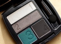 Avon True Colour Eyeshadow - Aquamarine Mystery