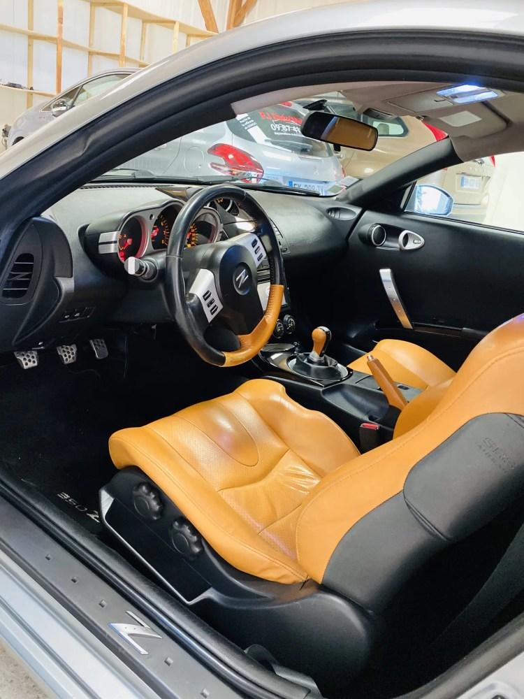 traitement et pigmentation complète sellerie cuir sur nissan 350z chez full excellence autos 44