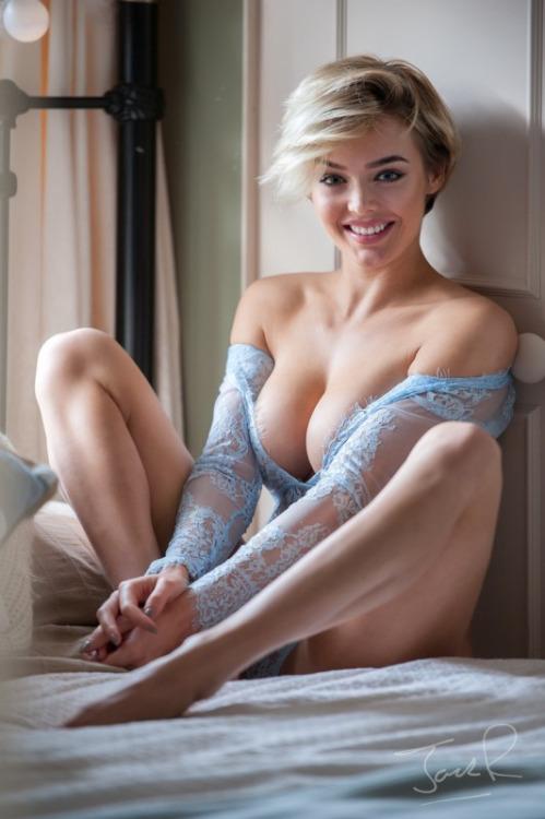 teinture blonde gros seins
