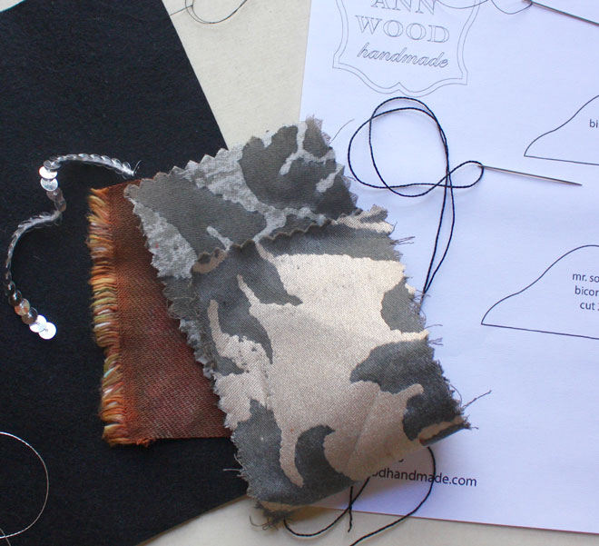 materials for making a pirate hat