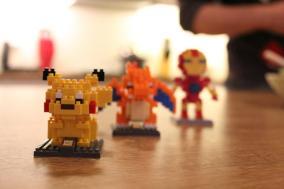 Pikachu, Glurak und Ironman