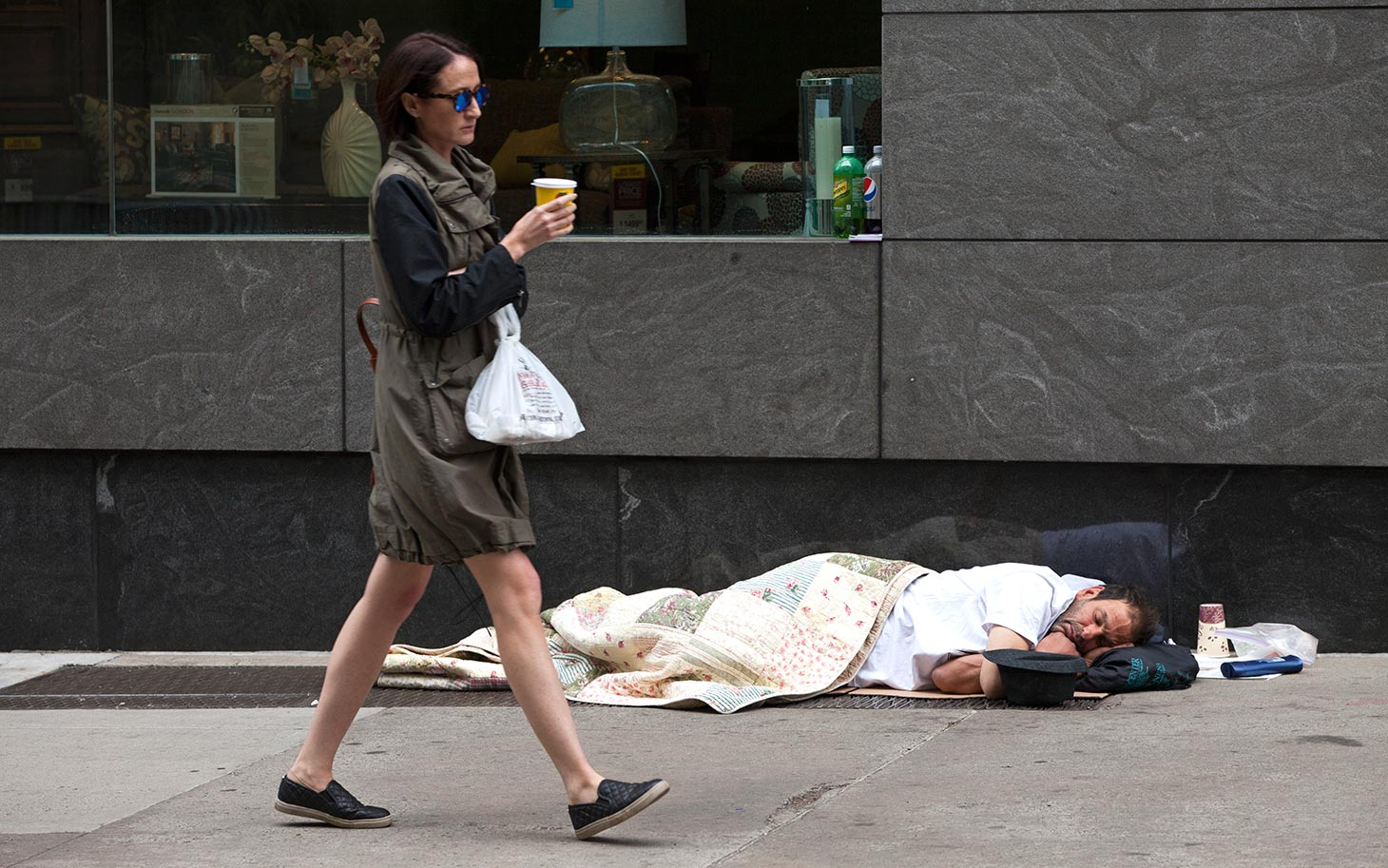 As Homeless Resist Shelters New York City Mayor Offers An Olive Branch