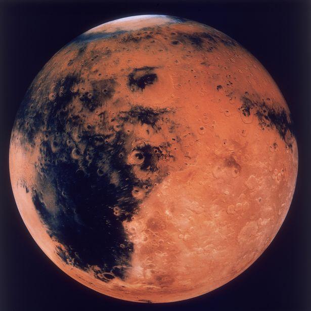 На Марсе нашли потерпевший крушение инопланетный корабль