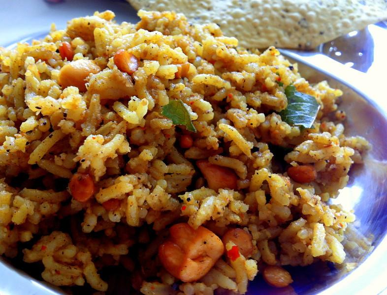 puLiyorai - Tamarind rice