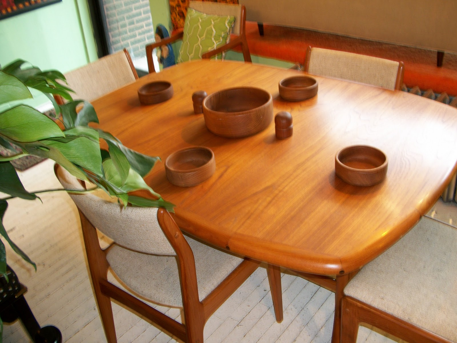 Teak Dining Room Chairs Teak D Scan Dining Room Table Chairs An Orange Moon Uber Hip