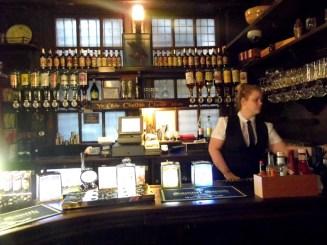 ye olde cheshire cheese pub, london