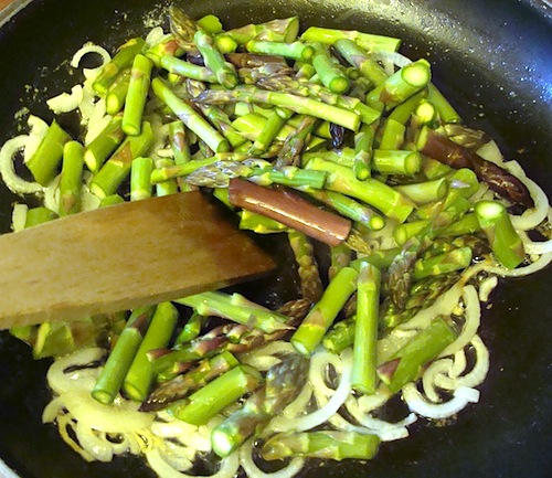 cooking-onions-asparagus