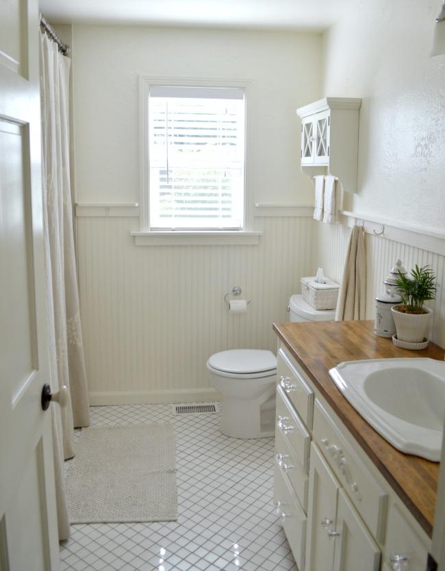 2016 Cottage Farmhouse Main bathroom