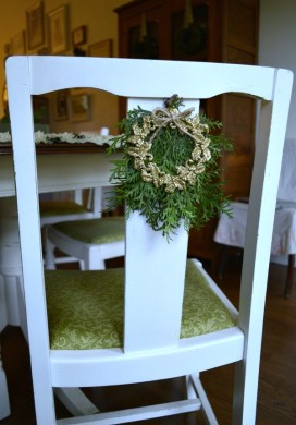 Quick & Easy Christmas Wreath Chair Decorations {A Dollar Store Craft}