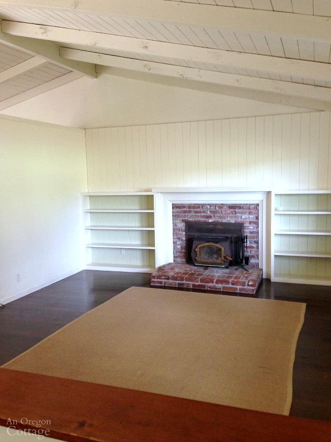 Empty cottage farmhouse living room
