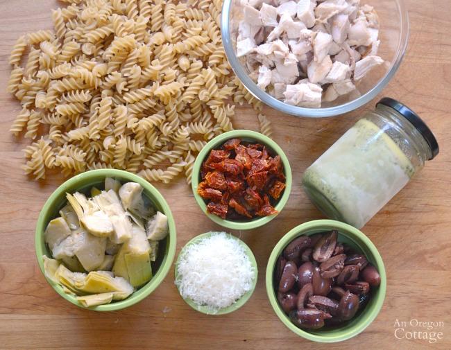 Mediterranean Chicken Pesto Pasta ingredients