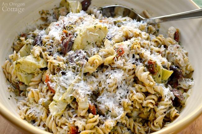 Mediterranean Pesto Pasta with Chicken