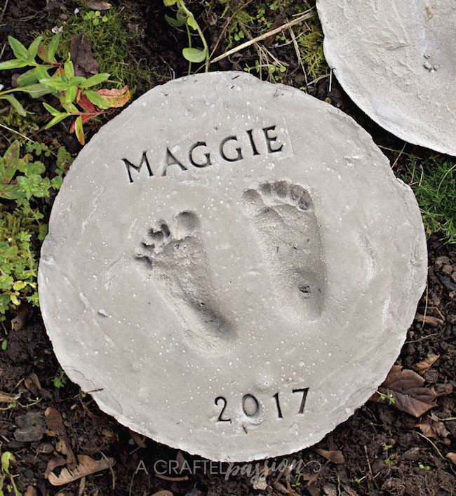 DIY Footprint garden stepping stones at A Crafted Passion