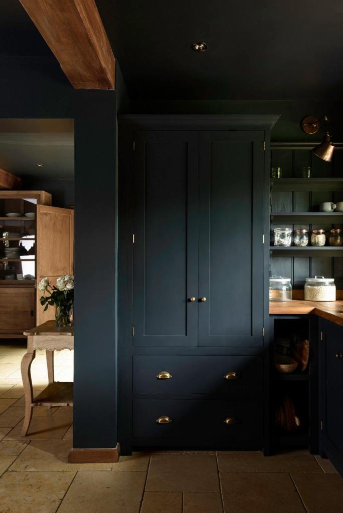 moody dark kitchens shaker