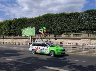 tour-de-france-2016-paris-caravan