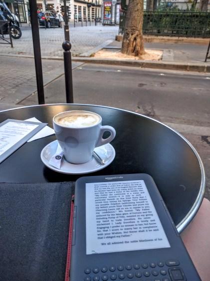 cafe-reading-in-paris