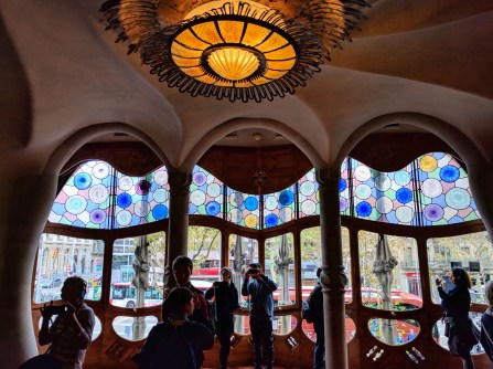 barcelona-weekend-casa-batllo-stained-glass