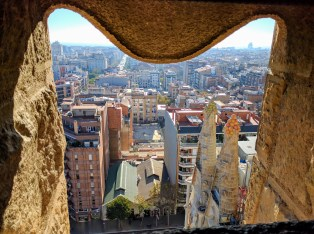 barcelona-weekend-sagrada-familia-tower-city
