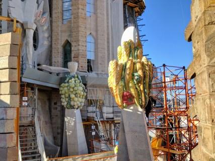 barcelona-weekend-sagrada-familia-tower-construction