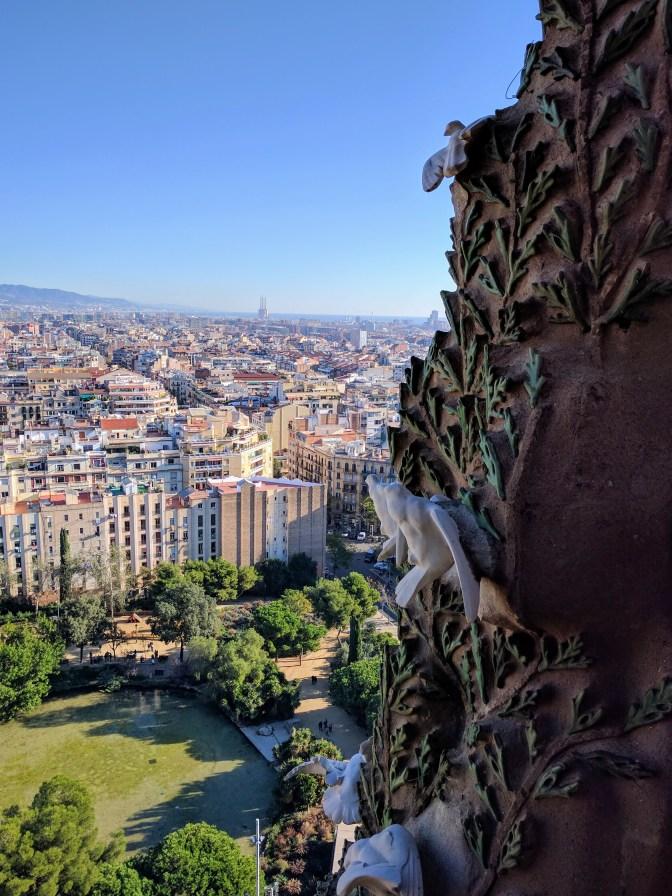 barcelona-weekend-sagrada-familia-tower-view