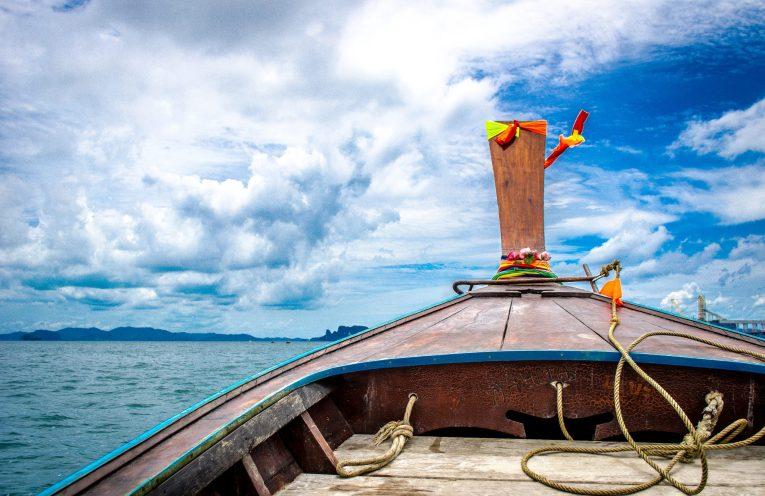 Hong Island Krabi Thailand 2017 Beach Long Boat