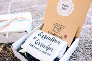 Pregnancy announcement box gift to tell your parents you're pregnant
