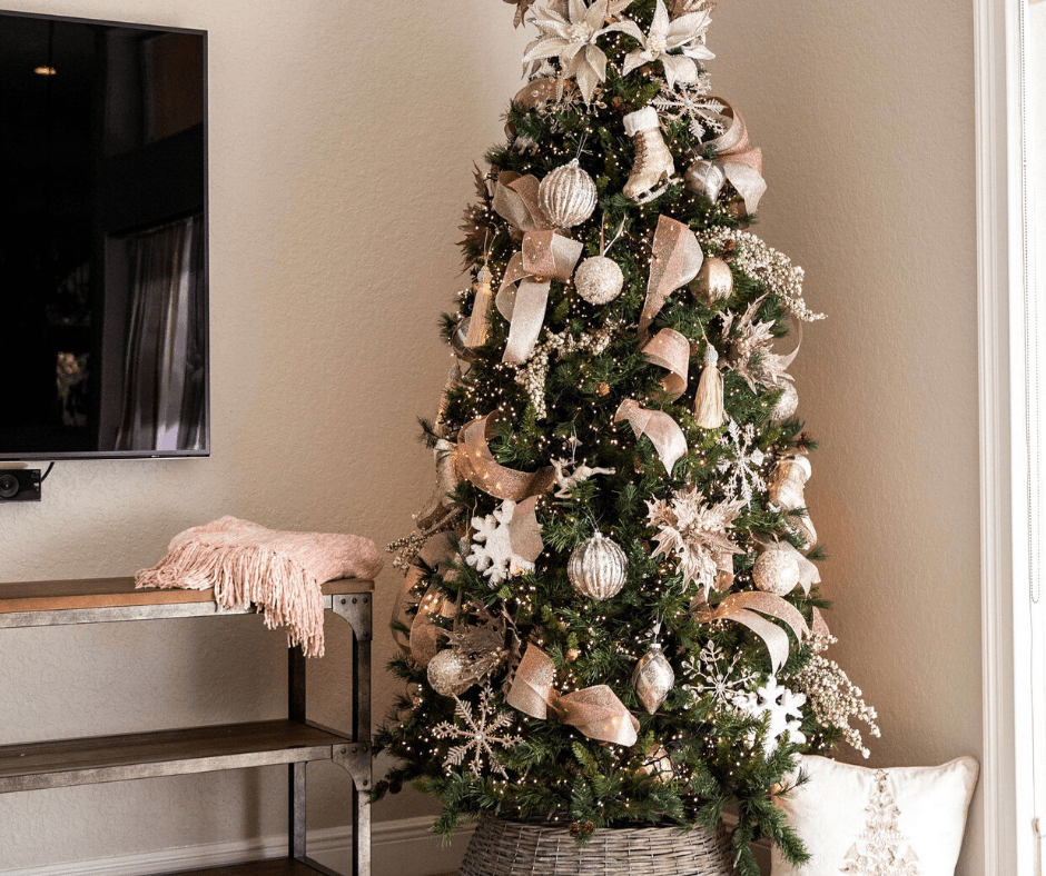 8 Stunning Christmas Tree Decorating Kits