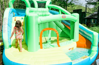 Little Tikes 2-in-1 Wet 'n Dry Waterslide