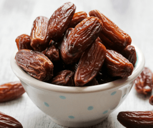 Eat dates for a faster labor
