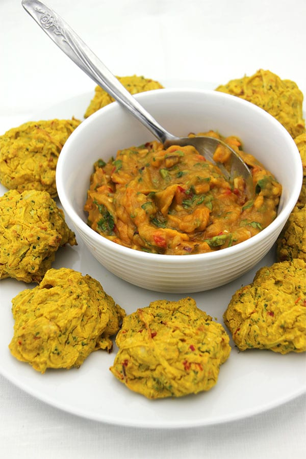 baked-pakoras-and-mango-sauce