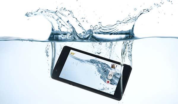 tips merawat smartphone anti air